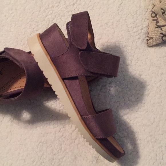 f306ce232fe6 NATURAL SOUL Kaila sandals. M 5ba8f315aa87705102f47cda